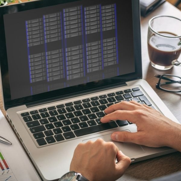 featured-image-managing-and-querying-databases
